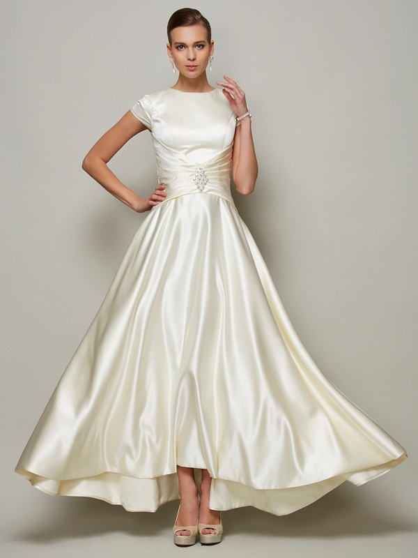 A-Line Scoop Short Sleeves Beading Long Satin Dresses