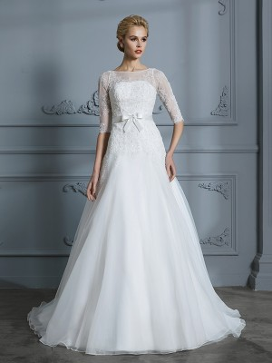 Lace A-Line/Princess 1/2 Sleeves Scoop Court Train Tulle Wedding Dresses