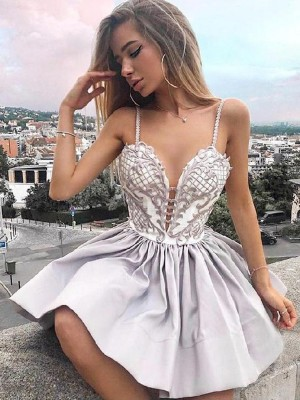 A-Line/Princess Satin Applique Spaghetti Straps Sleeveless Short/Mini Homecoming Dress