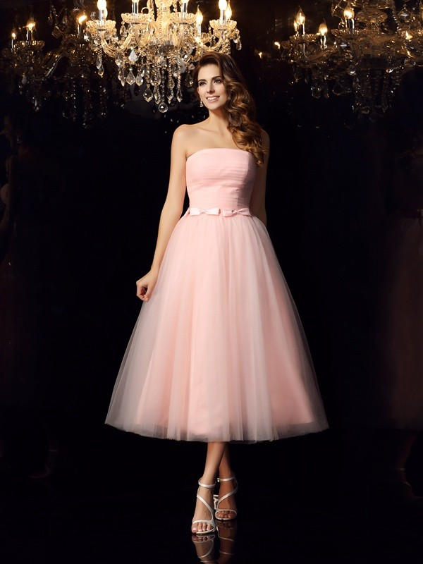 Ball Gown Strapless Sash/Ribbon/Belt Sleeveless Short Satin Debs Dress