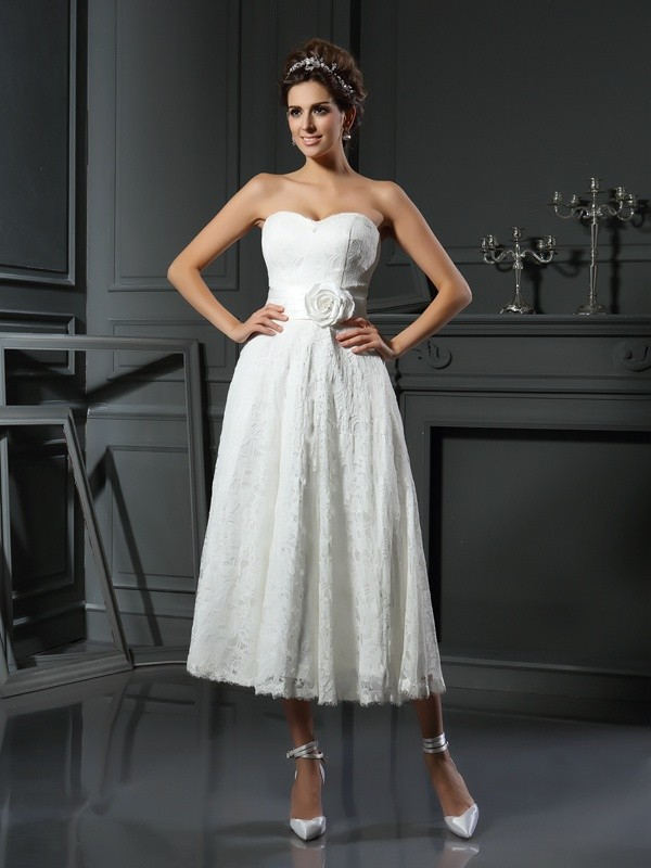 A-Line Sweetheart Lace Sleeveless Short Lace Wedding Dresses