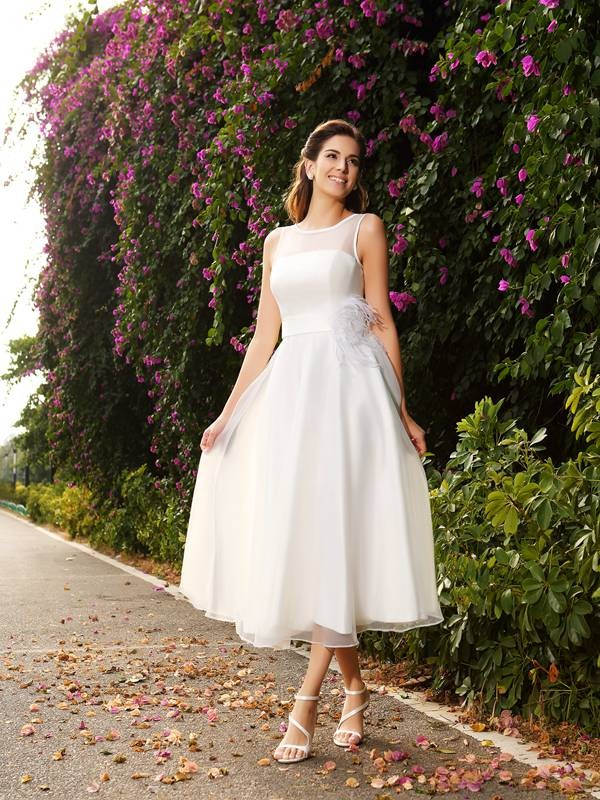A-Line Bateau Sash/Ribbon/Belt Sleeveless Long Satin Wedding Dresses