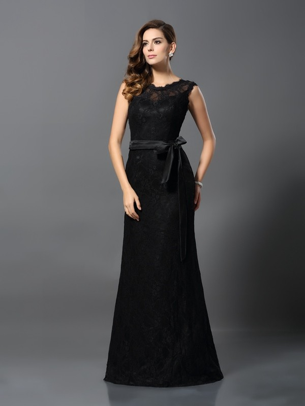 Sheath Scoop Lace Sleeveless Long Satin Dresses