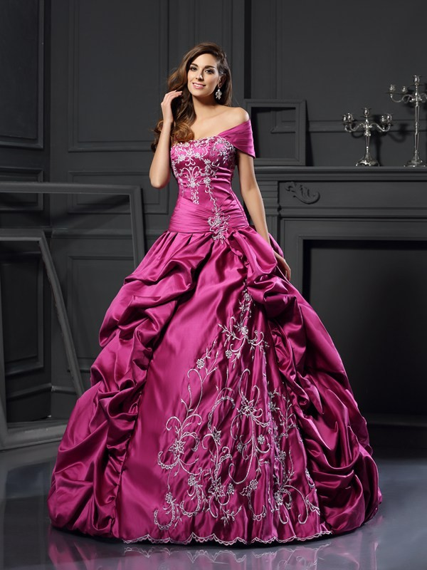 Ball Gown Sweetheart Applique Sleeveless Long Satin Debs Dress