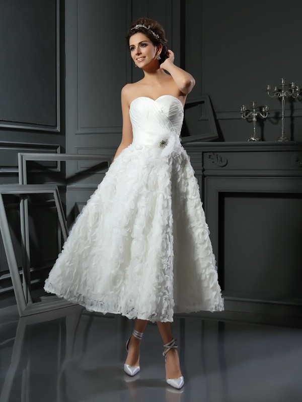 A-Line Sweetheart Bowknot Sleeveless Short Satin Wedding Dresses