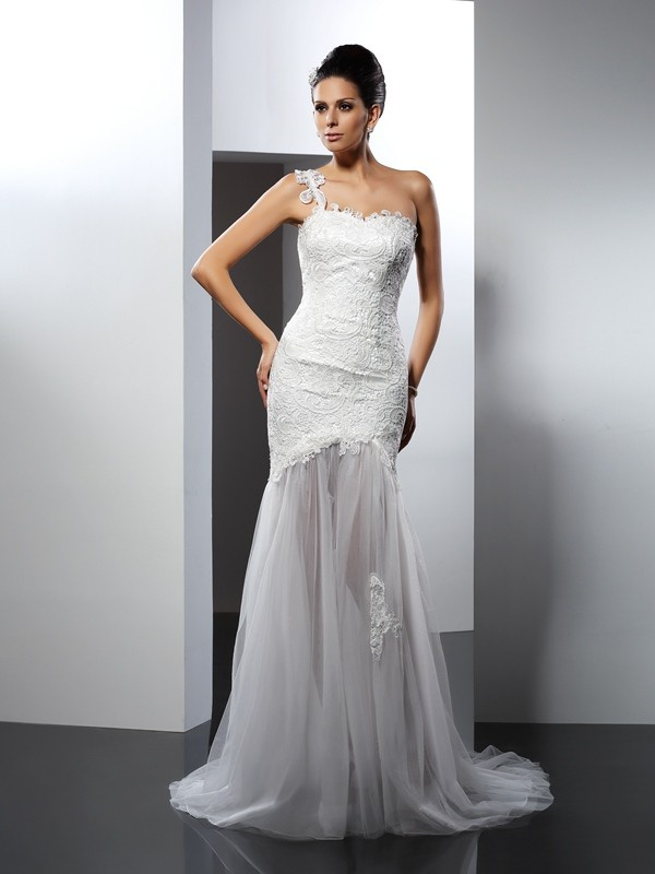 Mermaid One-Shoulder Lace Sleeveless Long Lace Wedding Dresses