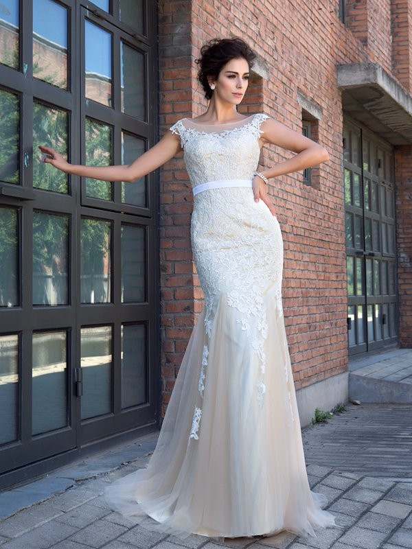 Mermaid Sheer Neck Applique Short Sleeves Long Net Dresses