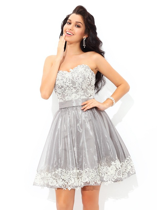 A-Line Sweetheart Lace Sleeveless Short Tulle Cocktail Dresses