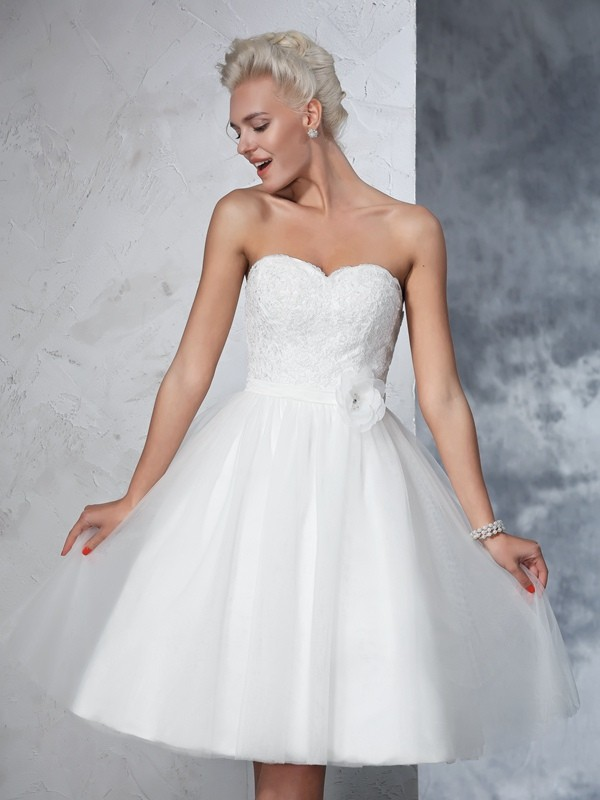 A-Line Sweetheart Hand-made Flower Sleeveless Short Net Wedding Dresses