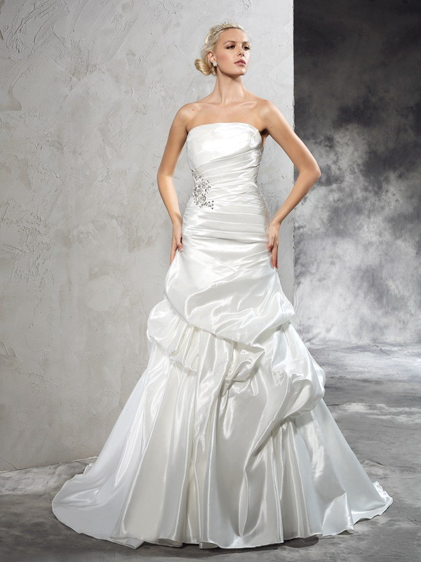 Sheath Strapless Pleats Sleeveless Long Satin Wedding Dresses