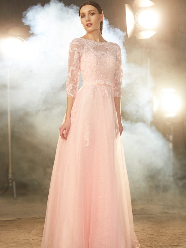 A-Line/Princess Bateau 1/2 Sleeves Floor-Length Tulle Dress With Applique