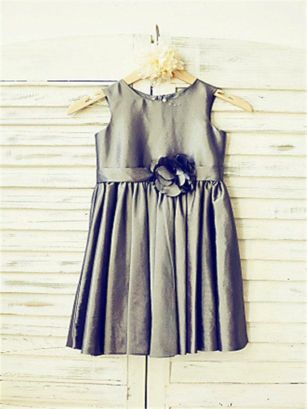 A-line/Princess Tea-Length Scoop Hand-made Flower Sleeveless Satin Flower Girl Dresses