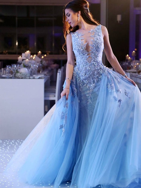 Ball Gown Scoop Sleeveless Sweep/Brush Train Applique Tulle Dresses