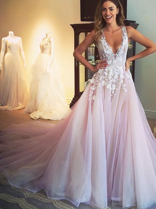 A-Line/Princess V-neck Sleeveless Sweep/Brush Train Tulle With Applique Dresses