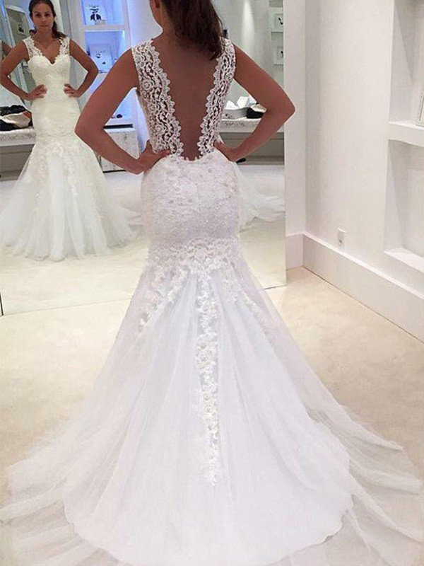 Trumpet/Mermaid V-neck Sleeveless Court Train Applique Lace Wedding Dresses