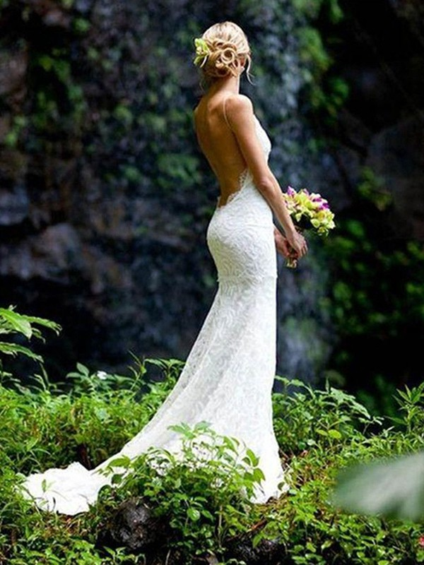 Sheath/Column V-neck Sleeveless Spaghetti Straps Court Train Lace Wedding Dresses