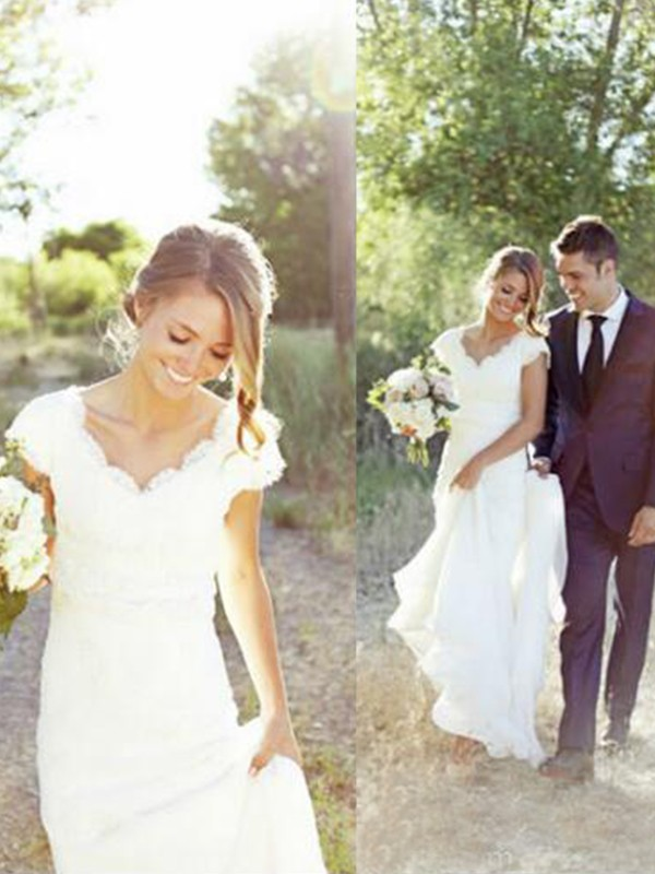A-Line/Princess Sleeveless V-neck Tulle Lace Sweep/Brush Train Wedding Dresses