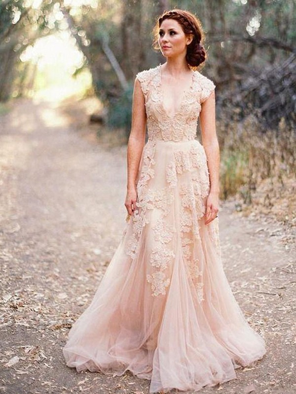 A-Line/Princess V-neck Sleeveless Sweep/Brush Train Applique Tulle Wedding Dresses