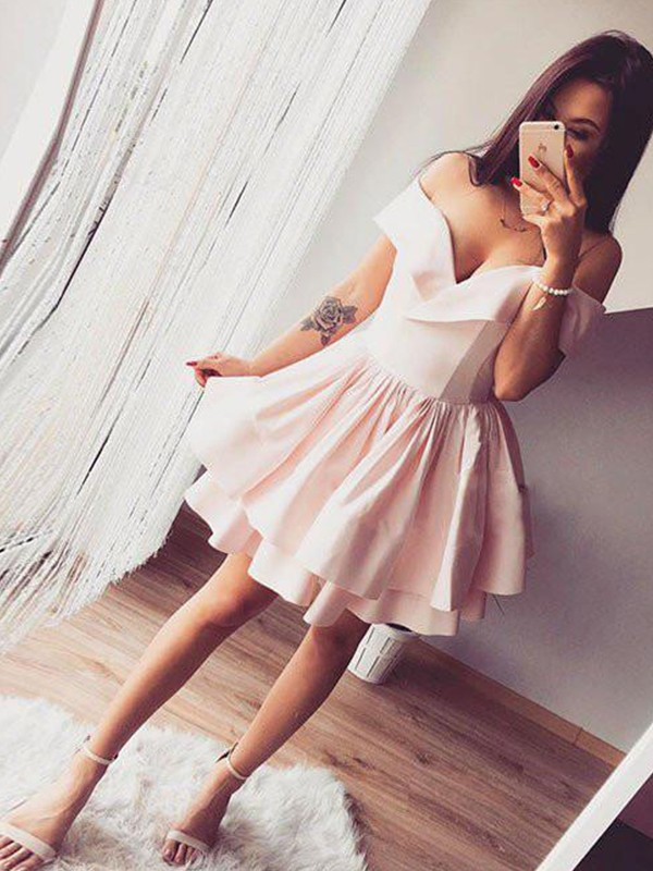 A-Line/Princess Off-the-Shoulder Satin Short Dresses