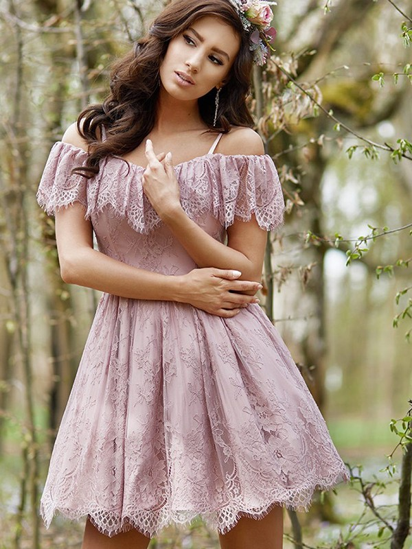 A-Line/Princess Off-the-Shoulder Lace Ruffles Short Dresses