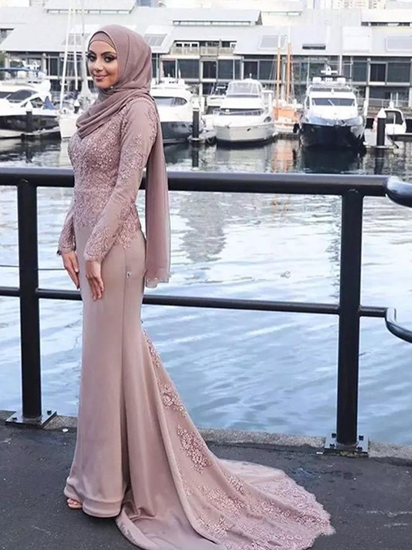 Trumpet/Mermaid Scoop Long Sleeves Sweep/Brush Train Applique Silk like Satin Muslim Dresses