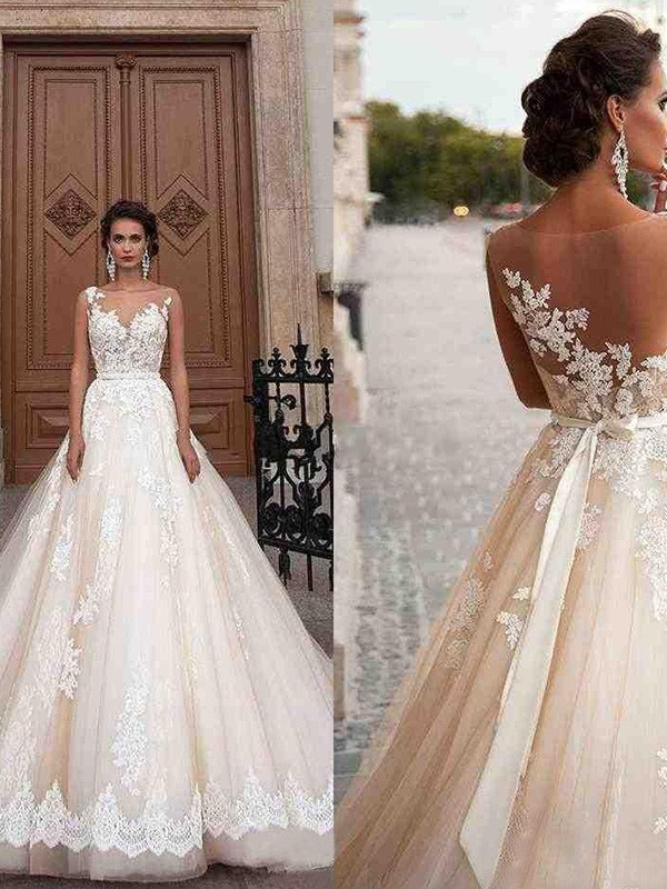 A-Line Tulle Scoop Sleeveless Court Train Wedding Dresses with Applique
