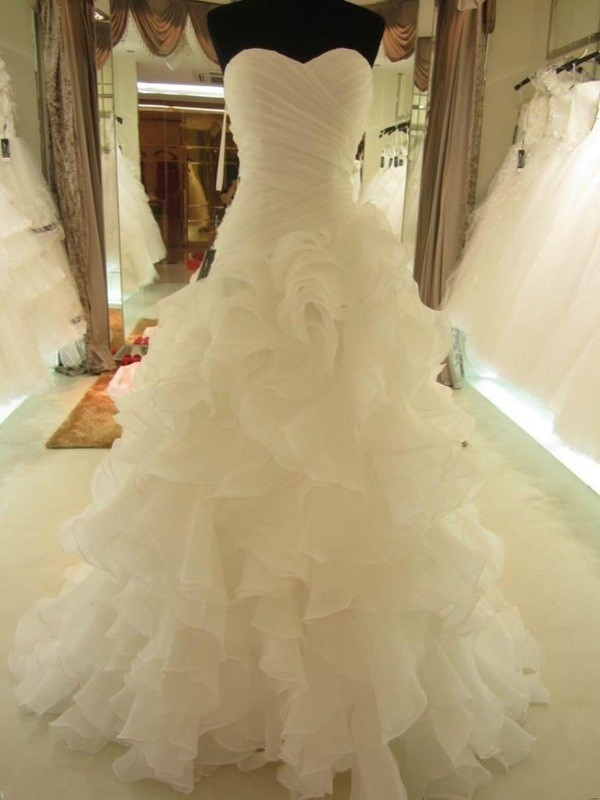 Ball Gown Sweetheart Ruffles Organza Sleeveless Court Train Wedding Dresses