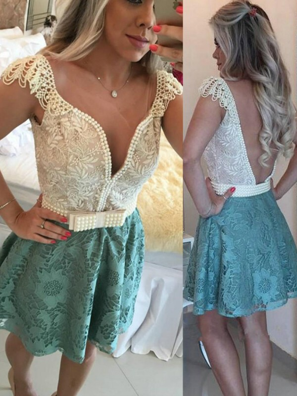 A-Line/Princess Sleeveless V-neck Beading Lace Short/Mini Dresses