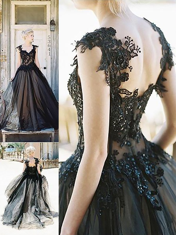 Ball Gown Sweetheart Sleeveless Lace Sweep/Brush Train Tulle Dresses
