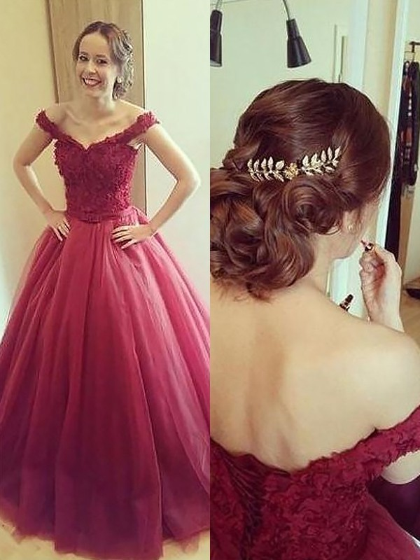 Ball Gown Off-the-Shoulder Applique Sleeveless Court Train Tulle Dresses