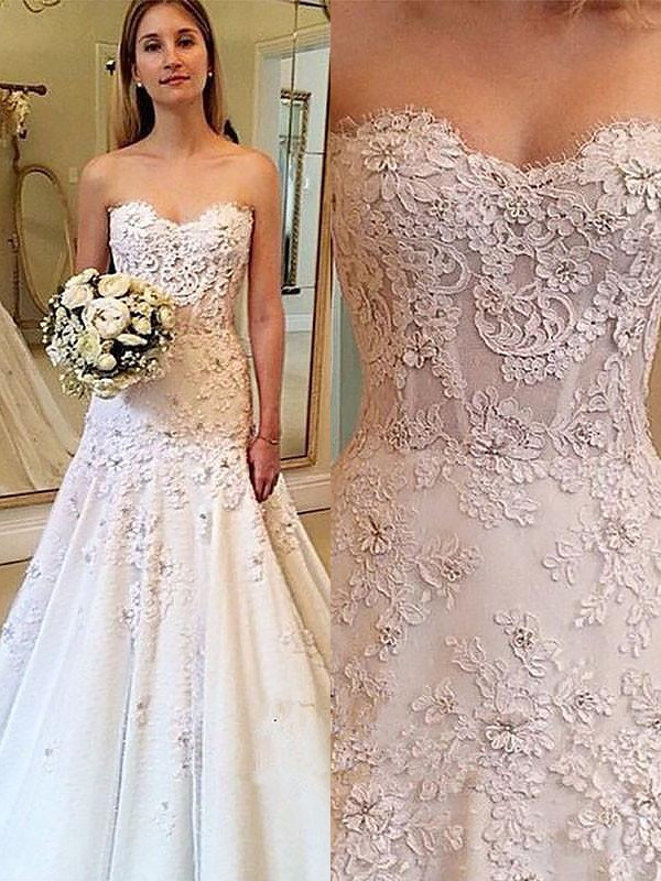 A-Line/Princess Lace Court Train Sweetheart Sleeveless Wedding Dresses