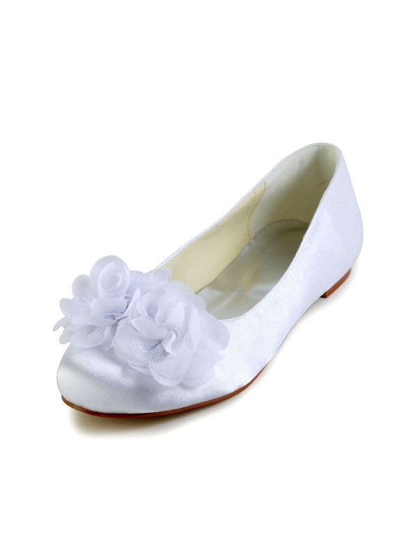 Women's Satin Flat Heel Closed Toe Flats Wedding Shoes With Satin Flower