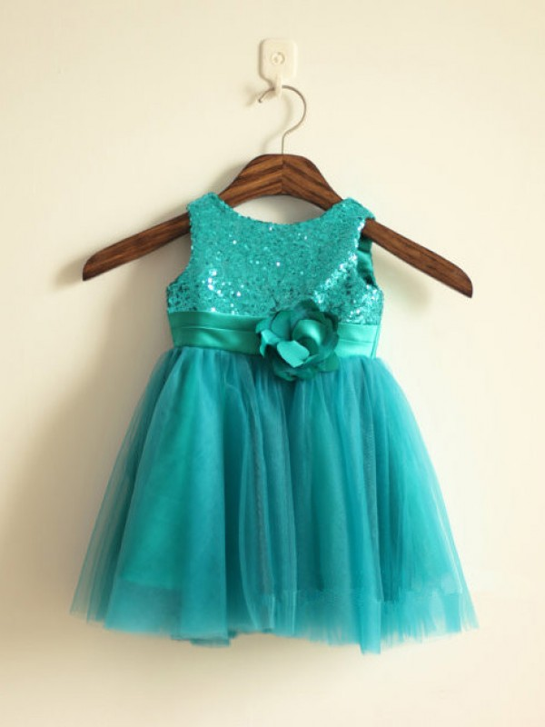 Knee-Length A-Line/Princess Scoop Sleeveless Sequin Tulle Dresses