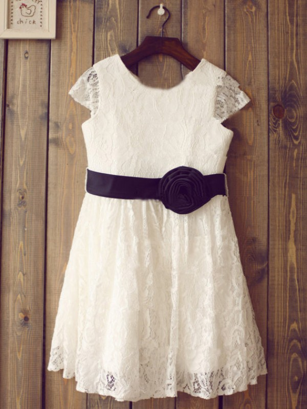 Tea-Length A-Line/Princess Scoop Short Sleeves Hand-Made Flower Lace Dresses