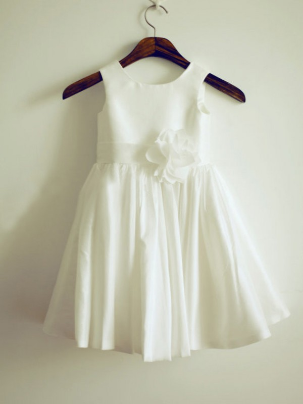 Knee-Length A-Line/Princess Jewel Sleeveless Hand-Made Flower Taffeta Dresses